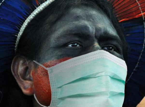 Pandemia e garimpo ilegal aumentam tensões nas regiões indígenas